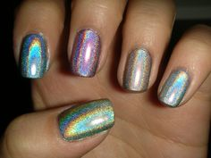 This is amazing! Too bad holographic nail polish is SO hard to find