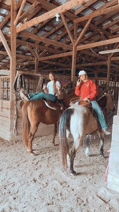 Cute Horse Pictures, Cute Friend Pictures, Best Friend Pictures, Cintos Country, Country Girl Life, Country Girls, Cute Country Couples, Cute Country Outfits, Country Best Friends