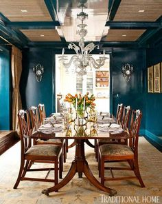 Thinking of doing this color to our master bedroom walls. Lacquered teal walls bring drama to this otherwise-traditional dining room - Traditional Home® / Photo: Pieter Estersohn & John Bessler / Design: Celerie Kemble Dining Room Blue, Dining Room Walls, Dining Room Design, Ikea Dining, Traditional Dining Rooms, Traditional House, Manhattan Apartment, York Apartment, Teal Walls