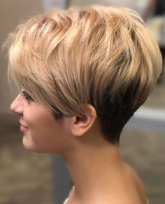 Easy-To-Manage Undercut Pixie # short hair styles pixie fine 100 Mind-Blowing Short Hairstyles for Fine Hair Short Hair With Layers, Short Hair Cuts For Women, Short Hairstyles For Women, Bob Hairstyles, Straight Hairstyles, Layers And Bangs, Medium Hairstyles, Short Curls, Hairstyle Men