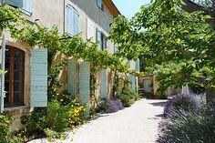Haven in Paris : Provence Luxury Vacation Villa & Holiday Rental: Villa St Saturnin, St. Saturnin les Apt Villa Rental
