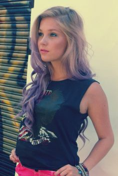 wanty wanty want want want! the second my hair gets this long, i am dyign it to look like this. i've wanted purple hair forever i can't even tell you how long