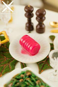 Dollhouse Miniature Set of 12 Fresh Green Beans