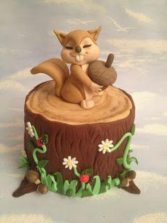 CORSI IN BRIANZA (MB) DI CAKE DESIGN, SUGAR FLOWER, PAINTING CAKE, AEROGRAFIA, ZUCCHERO ARTISTICO: CORSO CAKE DESIGN:UN DOLCE SCOIATTOLO!!