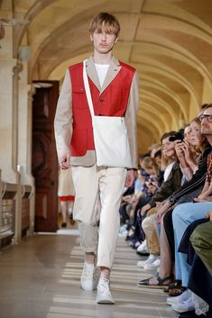 Junya Watanabe Debuts Eclectic Collaborations at Paris Fashion Week Men's Including work with Levi's, Carhartt and New Balance. Men's Street Style Paris, Paris Fashion, Mens Fashion, Junya Watanabe, Character Outfits, Top Stitching, Fashion Labels, Contemporary Fashion, Jacket Style