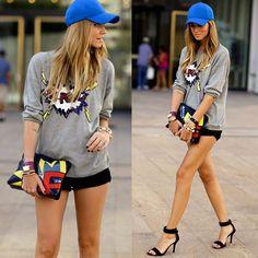 #stealthelook #look #looks #streetstyle #streetchic #moda #fashion #style #estilo #inspiration #animê #boné #chiaraferragni #moletom #sandália #short #popup #popart