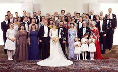 NEWS. PICS. SWEDEN ROYALTY family. Ryhmäkuvaan pääsivät vain kaikkein tärkeimmät vieraat. PIC Kungahuset. Iltalehti.fi