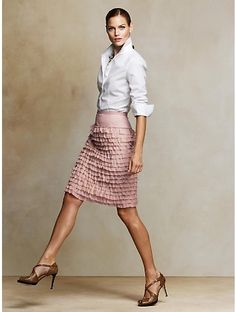 AH-mazing. Office wear with a touch of feminine...i don't have an office to go to, but i want one.  so i can wear this there.