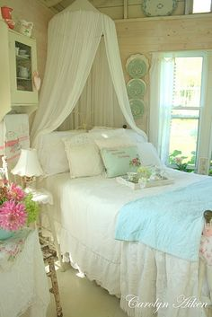 I would have killed to have this room as a young girl and I will work now towards giving it to mine :)