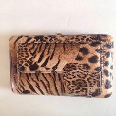 "Leopard Print Country Road Wallet Clutch Animal print wallet/clutch from Country Road. This cute purse/wallet is in gently pre owned condition and does have some light wear To the edges, otherwise looks new.  It measures 7.5 x 4.5"" x 1.5"" Country Road Bags Wallets"