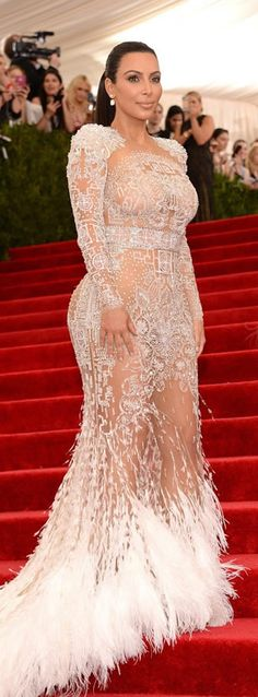 #KimKardashian at Met Gala 2015
