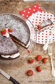 torta alle fragole by Elisakitty's Kitchen, via Flickr