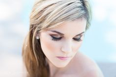 Bridesmaid makeup. Soft, natural, brown eye shadow with perfect eyeliner and eyelashes on a blonde haired bridesmaid. Makeup by kandice in san diego, Cavin Elizabeth Photography