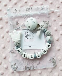 Schnullerkette marmoriert nach Wunsch Christmas Ornaments, Holiday Decor, Instagram, Frame, Home Decor, Have A Good Weekend, Wish, Nice Asses, Picture Frame
