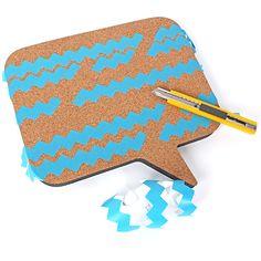 Painted cork speech bubble bulletin boards / Bulles de liège avec motifs peints | DeSerres