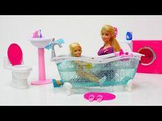 Barbie giydirme oyunu. Play Doh hamurdan kıyafetler - YouTube