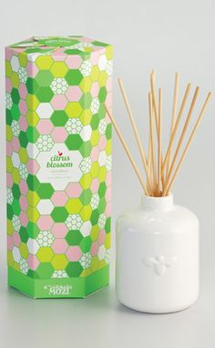 reed diffuser by mozi