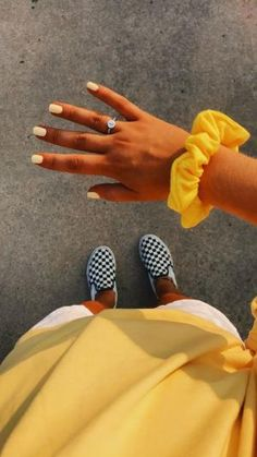Hottest Screen VSCO GIRL # trend # accessories Concepts For your decision to an Aesthetic-Plastic Surgery or so-called surgery treatment, there are numerous Cute Acrylic Nails, Cute Nails, Pretty Nails, Acrylic Nails Yellow, Cute Nail Colors, Cute Short Nails, Diy Outfits, Cute Outfits, Short Outfits