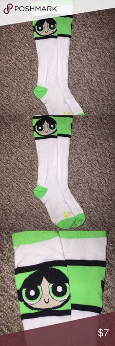 BUTTERCUP powderpuff girl socks!! BUTTERCUP powerpuff girl socks!! •• ONE SIZE fits most smoke free home •• bundle discounts •• gifts with purchase ! Hot Topic Accessories Hosiery & Socks