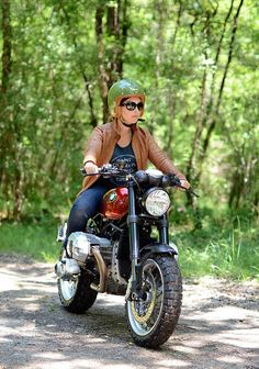 Beautiful and elegant custom BMW Scrambler built by Motorieep. Check out the pictures & story behind this cool custom BMW. Cafe Racer Girl, Cafe Racer Bikes, Scrambler Motorcycle, Bmw Motorcycles, Bobber, Lady Biker, Biker Girl, Bmw R1200r, Nine T Bmw