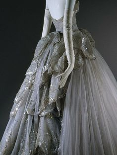"""The """"Venus"""" dress from Christian Dior Haute Couture Fall 1949"""