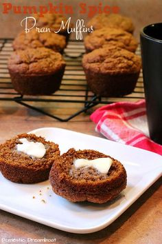 Pumpkin Spice Bran Muffins - Domestic Dreamboat - Jump to Recipe I have a secret. I kind of hate Pumpkin Spice. Bran Muffins, Baking Muffins, Brunch, Muffin Recipes, Baking Recipes, Bread Recipes, Yummy Recipes, No Bake Desserts, Dessert Recipes