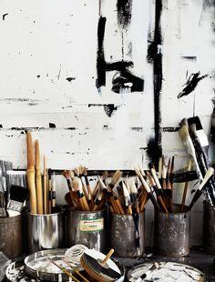 Paintbrush storage