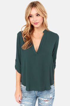 Teal is a great color for the holiday! I love the casual, chic look to it but it is still classy and dressy.