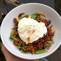Good morning world. I just made this banging sweet potato, chorizo and poached egg breakfast bowl Tag your friends Lean Breakfasts, Lean Meals, Clean Eating Breakfast, Breakfast Bowls, Chorizo Breakfast, Healthy Eating Recipes, Cooking Recipes, Healthy Meals, Joe Wicks Lean In 15