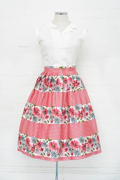 Corina Skirt Summer Picnic - Retrospec'd