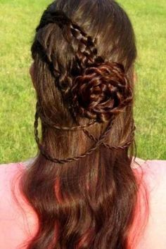 35 Mind-Bogglingly Complicated Braids That Are A Feat Of Human Ingenuity These are beautiful! Guys will never have hair like this.