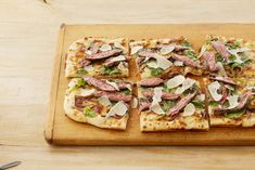 Make Steakhouse Pizza with Blue Cheese at Homethepioneerwoman Jello Recipes, Pizza Recipes, Beef Recipes, Italian Recipes, Cooking Recipes, Recipies, Steak Pizza, Pizza Pizza, Blue Cheese Recipes