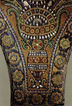 Details from an ancient Byzantine mosaic. Dome of the Rock, Jerusalem Pebble Mosaic, Mosaic Art, Mosaic Glass, Mosaic Tiles, Stained Glass, Islamic Architecture, Art And Architecture, Dome Of The Rock, Byzantine Art