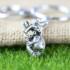 A103 Unisex basketball bracelet and necklace set.