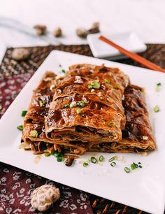 Vegan Vegetarian, Vegetarian Recipes, Savoury Recipes, Delicious Recipes, Bean Curd Skin, Asian Recipes, Ethnic Recipes, Chinese Recipes, Kitchens