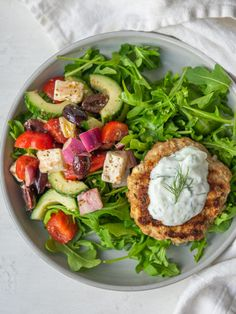 Greek Turkey Burgers - Mad About Food Greek Turkey Burgers, Turkey Burger Recipes, Turkey Patties, Burger Salad, High Protein Low Carb, Cooking Recipes, Healthy Recipes, Greek Salad, How To Eat Paleo