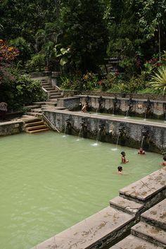 banjar hot springs in lovina