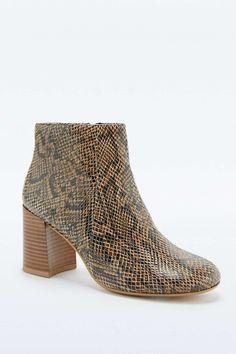 d6ebb35b5c97 Vagabond Kaley Dark Snake Leather Ankle Boots