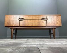 Cool Retro Sideboard - Perfect for TV Stand - Hifi Table Vintage Record Cabinet