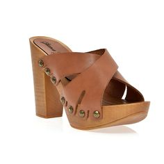 Leather platform sandal in pine with crossed straps