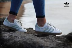 http://www.landaustore.co.uk/blog/wp-content/uploads/2016/09/Gazelle-womens-vintage-white-vapour-1024x683.jpg Adidas Gazelle Vintage White Vapour Green Gum Women's Trainers http://www.landaustore.co.uk/blog/footwear/adidas-gazelle-vintage-white-vapour-green-gum-womens-trainers/