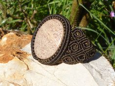 CHALCEDON  brown MACRAME BRACELET pulsera/brazalete macrame marron con calcedonia. via Etsy.