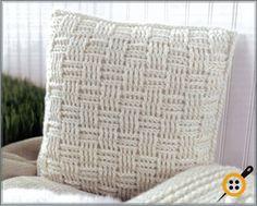 Tığ işi sepet örgü dekoratif yastık modelleri