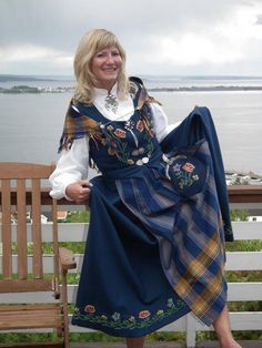Bilderesultat for nordlandsbunad Folk Costume, Costumes, Looking For Someone, People Of The World, Traditional Dresses, Alexander Mcqueen Scarf, Norway, Custom Made, Cover Up