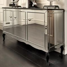 How Awesome is this Art Deco Mirrored Sideboard? Sideboard Modern, Mirrored Sideboard, Sideboard Furniture, Mirrored Furniture, Art Deco Furniture, Home Furniture, Furniture Design, Sideboard Ideas, Mirrored Table