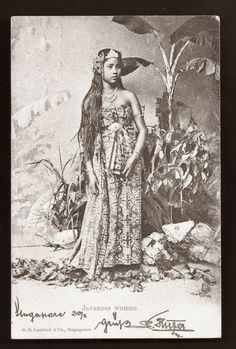 Javanese Woman ~ ca 1899 Vintage Photos Women, Vintage Pictures, Old Pictures, Old Photos, Indonesian Women, Indonesian Art, Dutch East Indies, Javanese, Historical Pictures