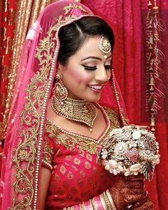 """fabulous vancouver wedding Thank you #indianweddingbuzz for the mention!! Check out their page for wedding inspiration! #Repost @indianweddingbuzz ・・・ """"On your wedding day you should look like yourself at your most beautiful."""" - Bobbi Brown @pinkorchidstudio #makeupartists are at the top of their game! by @pinkorchidstudio  #vancouverwedding #vancouverwedding"""