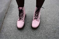 Pink Dr Martens Boots - http://ninjacosmico.com/9-fashion-tips-pastel-grunge/