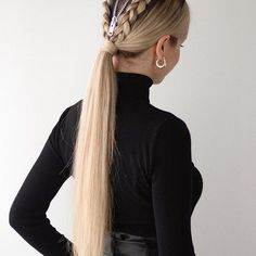 Need a last minute halloween costume?🎃🦇 This easy halloween hairstyle is now live on my YouTube channel, link in bio & stories!👻 Also, what are you dressing up as for Halloween? This hairstyle was inspired by the talented @viola_pyak @luxyhair Luxy Hair Halloween Challenge #luxyhairgirl