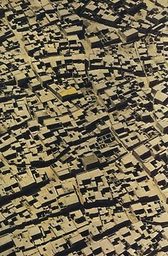 Old Friends — Timbuktu National Geographic August 1975 Casa Patio, Vernacular Architecture, Persian Architecture, Urban Fabric, Aerial Images, Aerial Photography, Urban Photography, Artistic Photography, City Maps